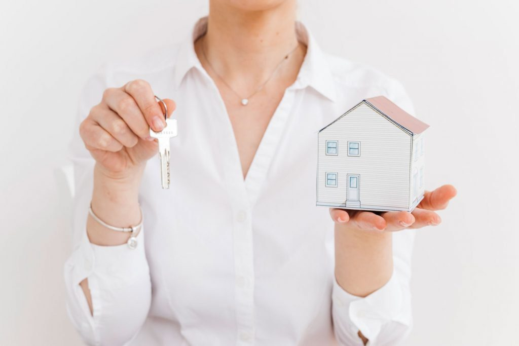 What You Need to Know Before Hiring a Real Estate Agent in Whangarei